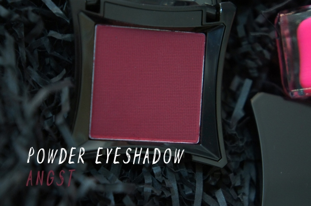 Illamasqua Eyeshadow in angst