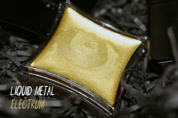 Illamaqua Liquid Metal in Electrum