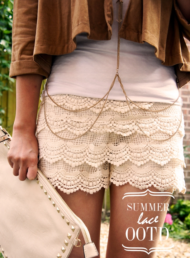 SUMMER LACE SHORTS OUTFIT OOTD